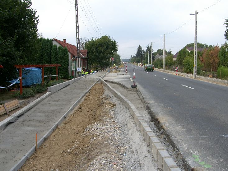 Jelenleg a következő cikkhez tartozó képeket böngészed: Buszöböl-felújítás Európai Uniós támogatással