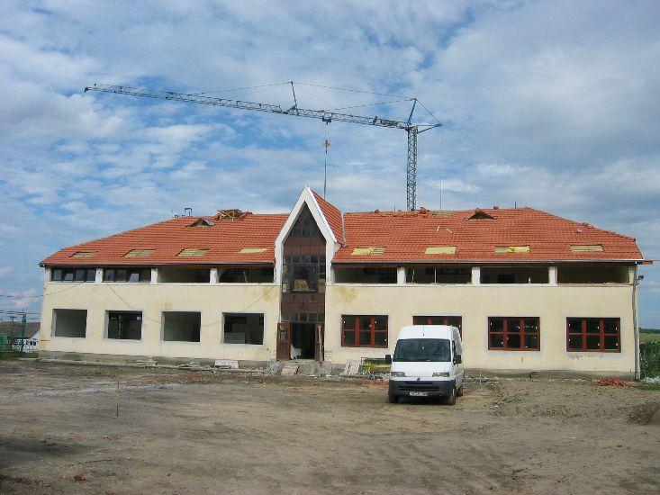 Jelenleg a következő cikkhez tartozó képeket böngészed: Iskolafelújítás